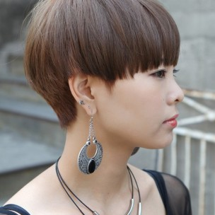 Modern-Short-Japanese-Haircut-with-Bangs